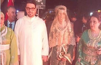 أول صورة لدنيا باطما من حفل زفافها الذي يجرى في هذه الأثناء