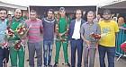 العداء سفيان زاقور المتوج بالذهب بالجزائر يستقبل بالورود من طرف رئيس نادي أولمبيك ابن جرير لألعاب القوى