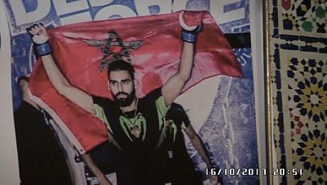 رغم اعداء النجاح المجد والوطنية سلاح البطل العالمي في رياضة الفنون القتالية محمد تريكي